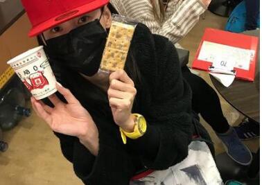 张柏芝晒献血照片 戴口罩低调献血,网友大赞