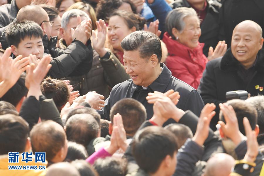 习近平春节前夕赴四川看望慰问各族干部群众