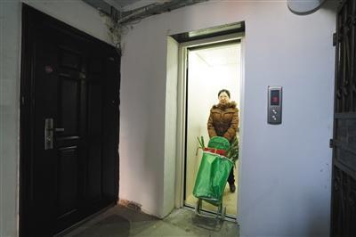 量身定制!楼房装公交电梯  刷卡乘坐两角一次便捷适用