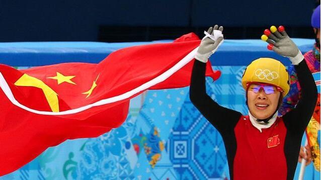 中国短道3冠王冲击3连冠!奥委会掌门春晚贺新年