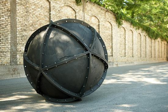超现实雕塑艺术家心中的乌托邦