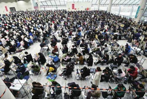 山东艺考12万余考生中近半是美术生