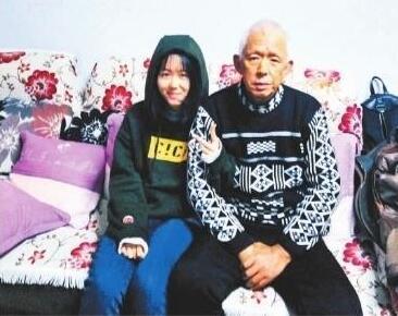 武汉初中女生为给父亲配骨髓而增重:我是女儿 应该的
