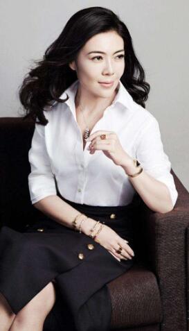 妈妈病危住院?时尚总裁苏芒辞职 握母亲手祈福:一定要好起来