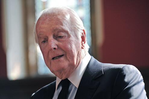 时尚教父!纪梵希创始人去世享年91岁 品牌以潇洒精致走红巴黎