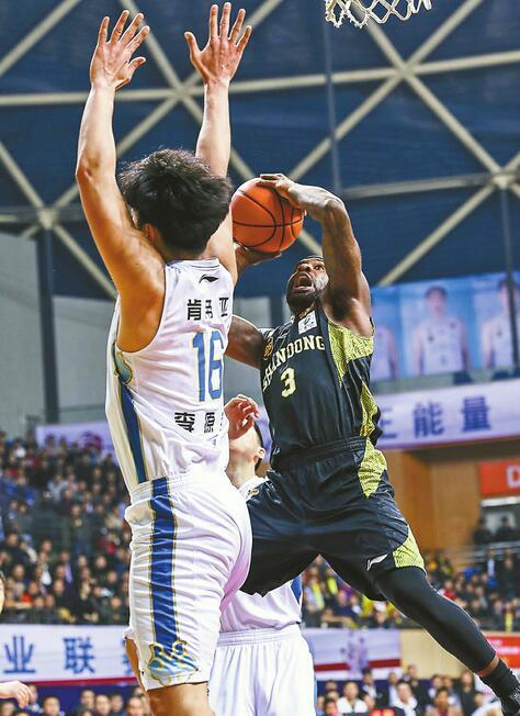 季后赛赢球才是硬道理 山东高速男篮客场4分拿下江苏队