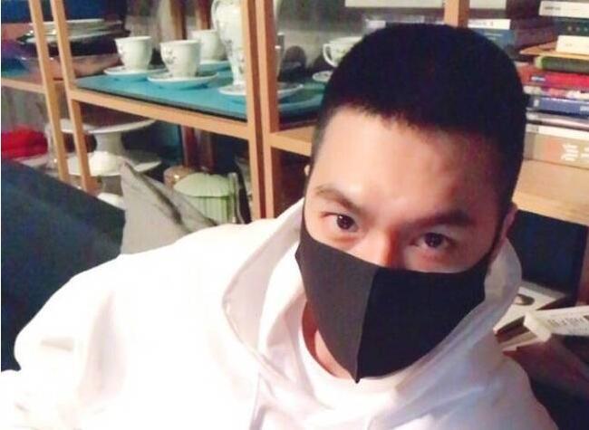 李敏镐晒寸头自拍 将接受为期4周的军事训练