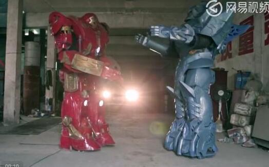 沉迷!农民造机器人