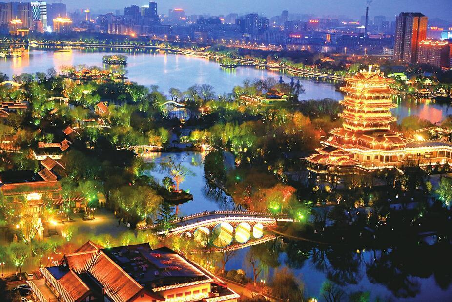 """泉城夜宴""""点亮""""泉水名片——""""一湖一环""""景观照明工程引发的""""核""""巨变"""