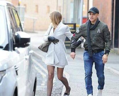 桑切斯与女友外出用餐 爱车违停被贴罚单两周内缴纳罚款将会是这个数!