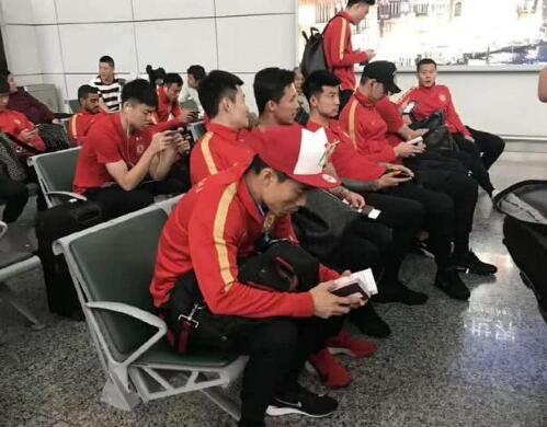 急了!恒大全员滞留机场 亚冠小组赛G组赛战泰国武里南突发意外