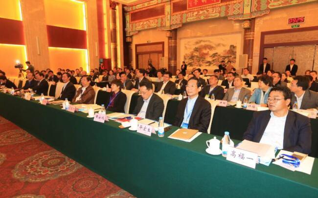 王忠林:打造高端化国际化特色化医学高地