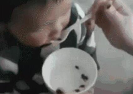 吓人!给幼童喂食活蝌蚪称治病 原来《本草纲目》里早有记载
