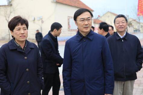 杨峰到商河调研扶贫工作、文明村建设等情况