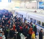 火车站开启清明挤