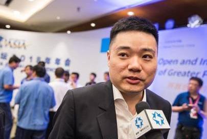 31岁丁俊晖当爸 台球王子降临中国