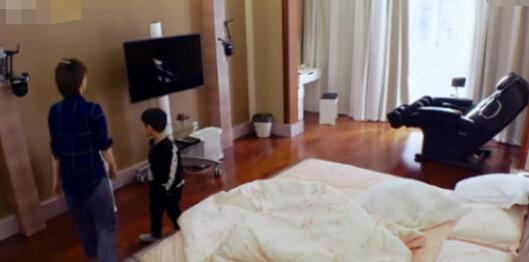 土豪本壕!曝黄圣依卧室内景低调奢华 豪宅有好几层卧室客厅相当大