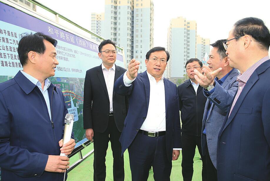 王忠林调研重点道路工程建设工作 确保北园高架西延明年元旦全线通车