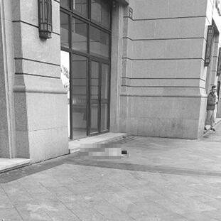 悲剧!杭州萧山春和钱塘小区 一小男孩坠楼身亡
