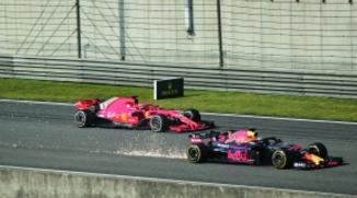 里卡多收获F188必发娱乐赛冠军 红牛终结法拉利强势夺首冠