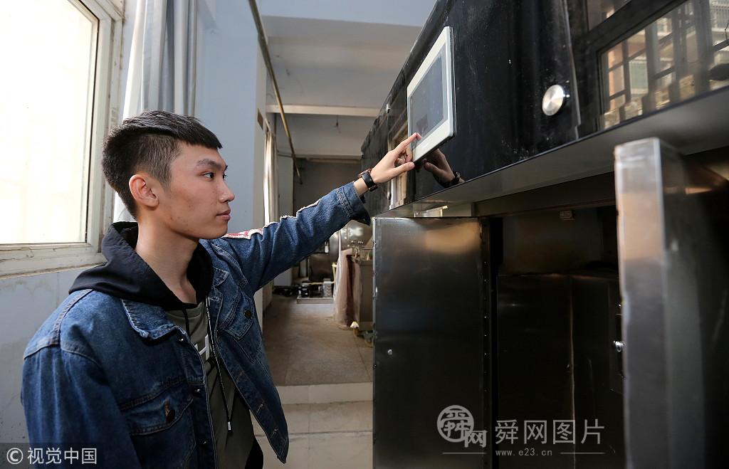 郑州90后小伙殡仪馆实习 曾连续3天半夜听到哭声