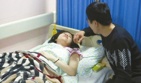 """""""熊猫血""""孕妇早产数百电话短信应援 献血的献血、垫钱的垫钱……"""