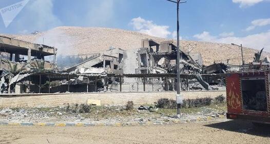 惨不忍睹!叙被袭现场图曝光 军事仓库被导弹击中致6平民受伤