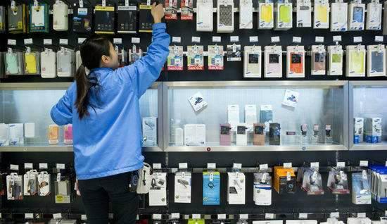 """手机壳黑榜发布 消费提醒:手机壳可能越美越有""""毒"""""""