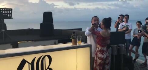 GAI巴厘岛婚纱照曝光 当天给老婆准备了惊喜把周围人感动哭
