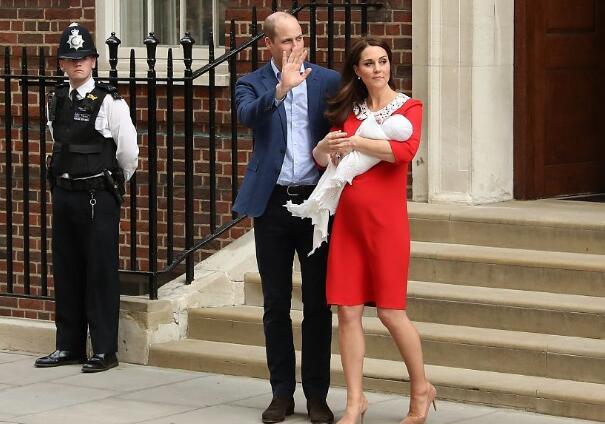 第五顺位继承人!36岁凯特王妃产子 前2个孩子是乔治王子和夏洛特公主