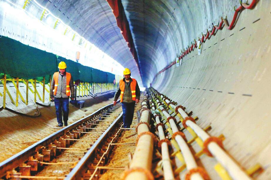 济南轨道交通R1线全线贯通 明年元旦通车在望