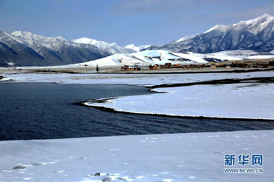 甘肃山丹马场降雪 一派北国风光