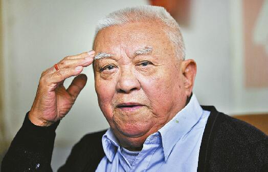 """86岁老兵吹响""""暮年集结号"""":70年前济南战役浴血奋战的战友 我想和你们再见一面"""
