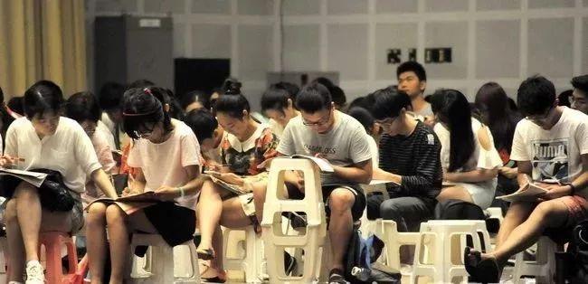 """""""慢就业""""流行!山东的大学生都不着急找工作了"""