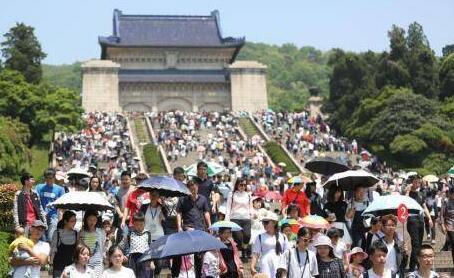 五一1.47亿人出游 北京,秦皇岛,三亚,杭州等是热门旅游目的地