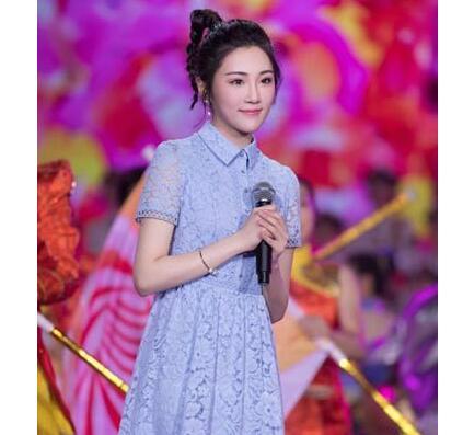 """央视五四晚会 2018""""五月的鲜花..."""