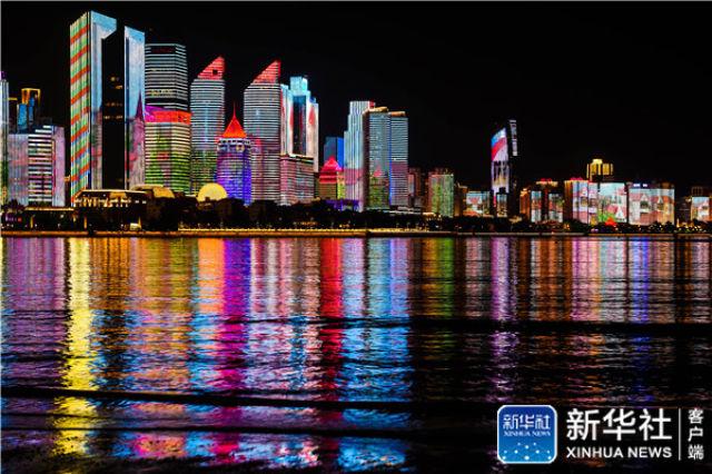 ↑这是青岛市浮山湾夜色(5月3日摄)。新华社记者 李紫恒 摄