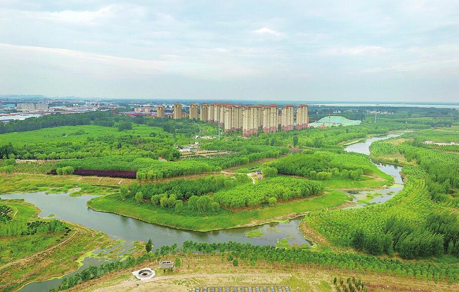 鸟瞰济南玉符河湿地:水天一色,绿树成林分外美