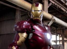 惊呆了!小罗伯特·唐尼在08年《钢铁侠》里穿的那套钢铁侠战甲被盗了!
