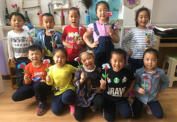 特别的礼物送给特别的你——济南市槐荫区大金新苑幼儿园母亲节活动