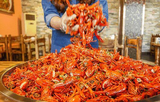 弱爆了!德国小龙虾泛滥却不会吃 德国常见吃法:小龙虾牛油果意面