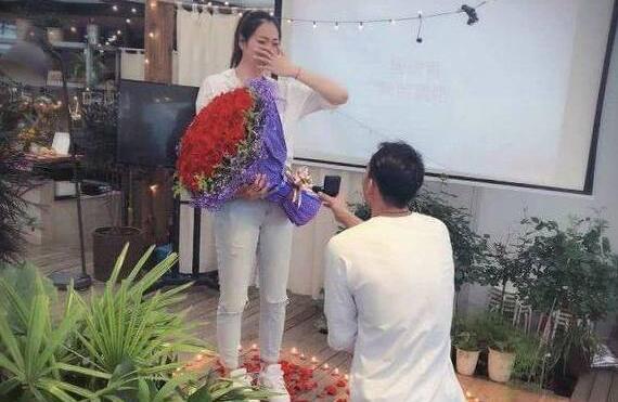 杨珺菁接受求婚 中国女排名将杨珺菁将在2019年完婚