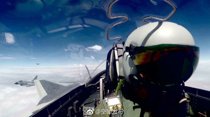 """专家:歼-20既是""""尖刀""""又是""""指挥员"""" 未来必将巡航台湾"""