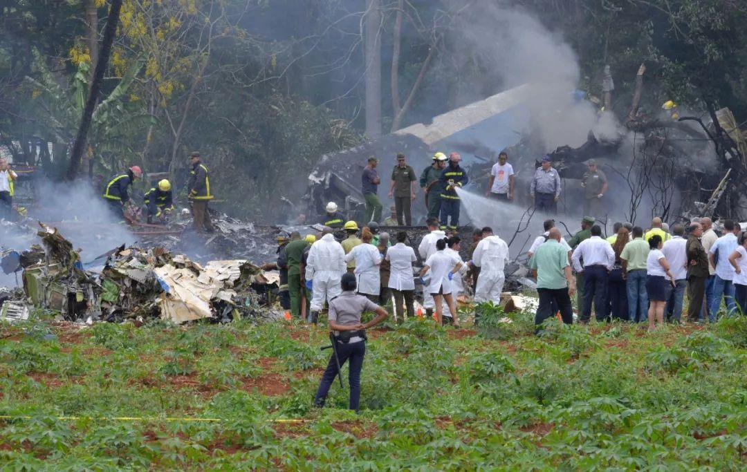 100多人遇难!古巴一架客机坠毁 现场救援图片曝光