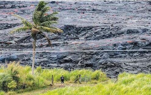 夏威夷火山再喷发 火山口每天喷...