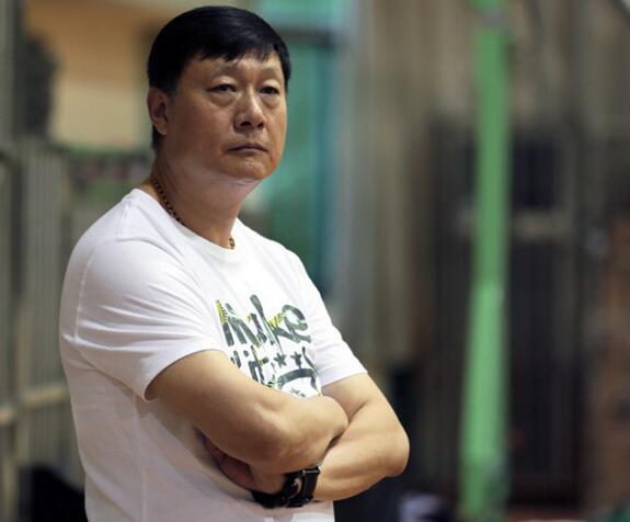 李秋平回归上海男篮  马不停蹄地投入到一线队首次训练课中