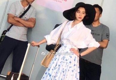 耿直boy!崔永元炮轰范冰冰 微博不停地批评《手机2》电影相关人员