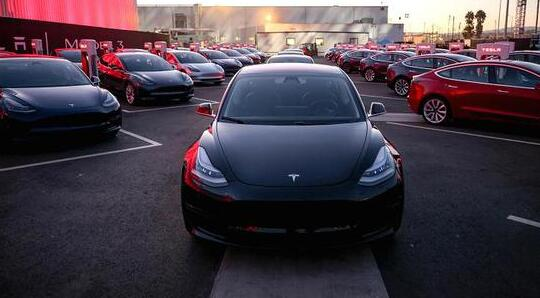 Model 3近四分之一订单被取消 18%开始退款