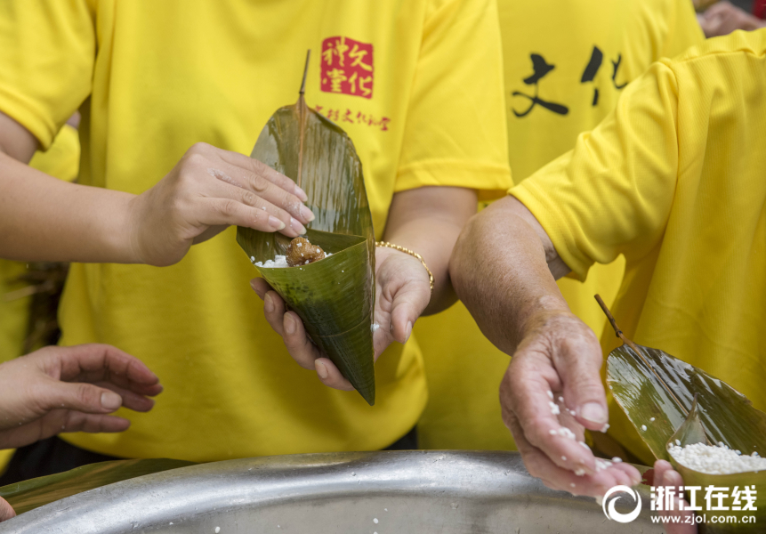 浙江温岭:粽叶飘香迎端午