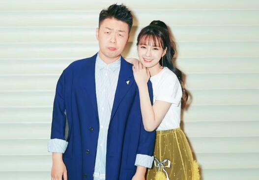 6月13日是沈梦辰的生日,作为男朋友的杜海涛在零点准时为沈梦辰送